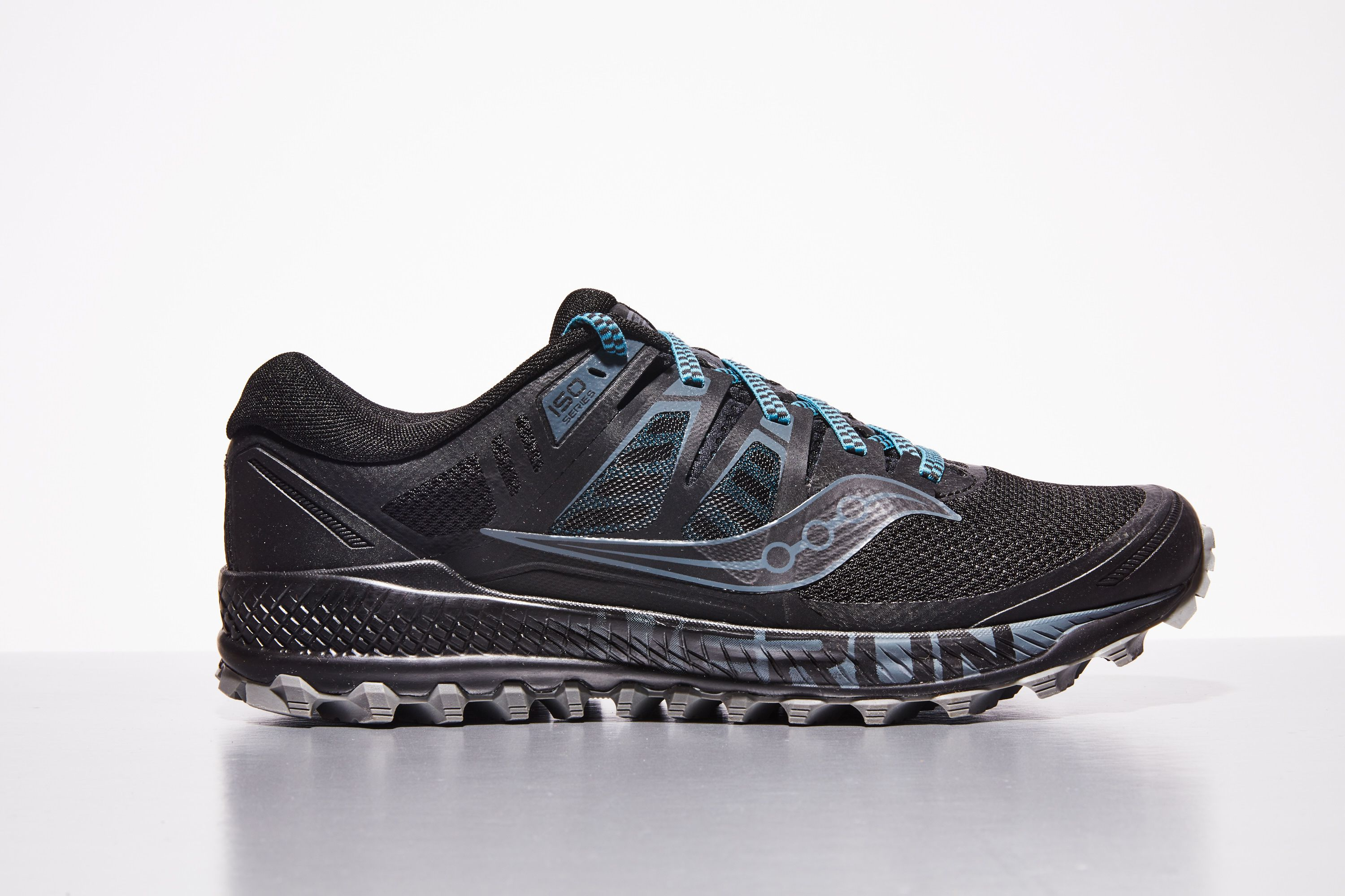 saucony running shoes mens